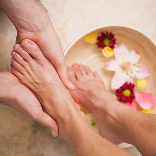 Melegítő és relaxáló lábáztatáshoz fahéj illóolajból